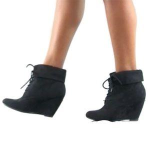 Zigi Soho Suede Wedge Ankle Booties Size 6.5
